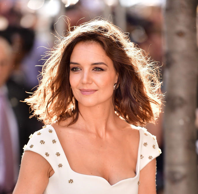 Katie Holmes Pixie Hairstyle Is The Short Hair Trend For 2018 Hellogiggles