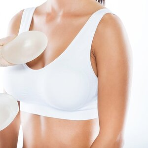 Breast Implant Removal Procedure Explained by Two Surgeons