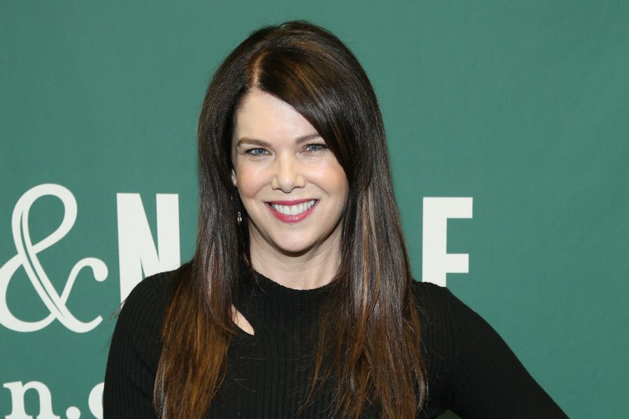 Lauren Graham will star in a Mighty Ducks sequel series—but there's one big twist