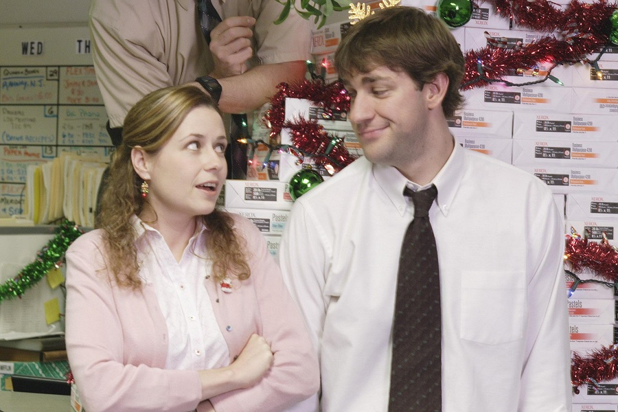 Jenna Fischer finally told us what was in the teapot that Jim bought for Pam on The Office