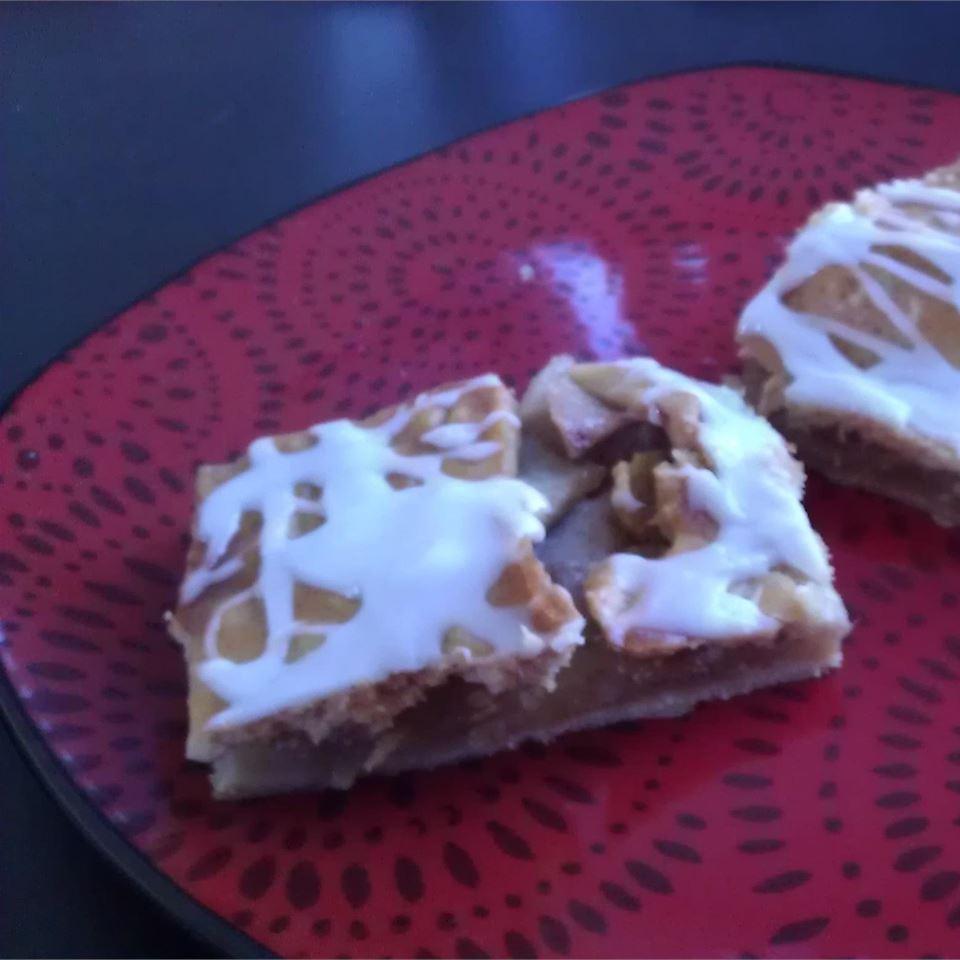 Danish Pastry Apple Bars I Melissa Rhode Kempfe