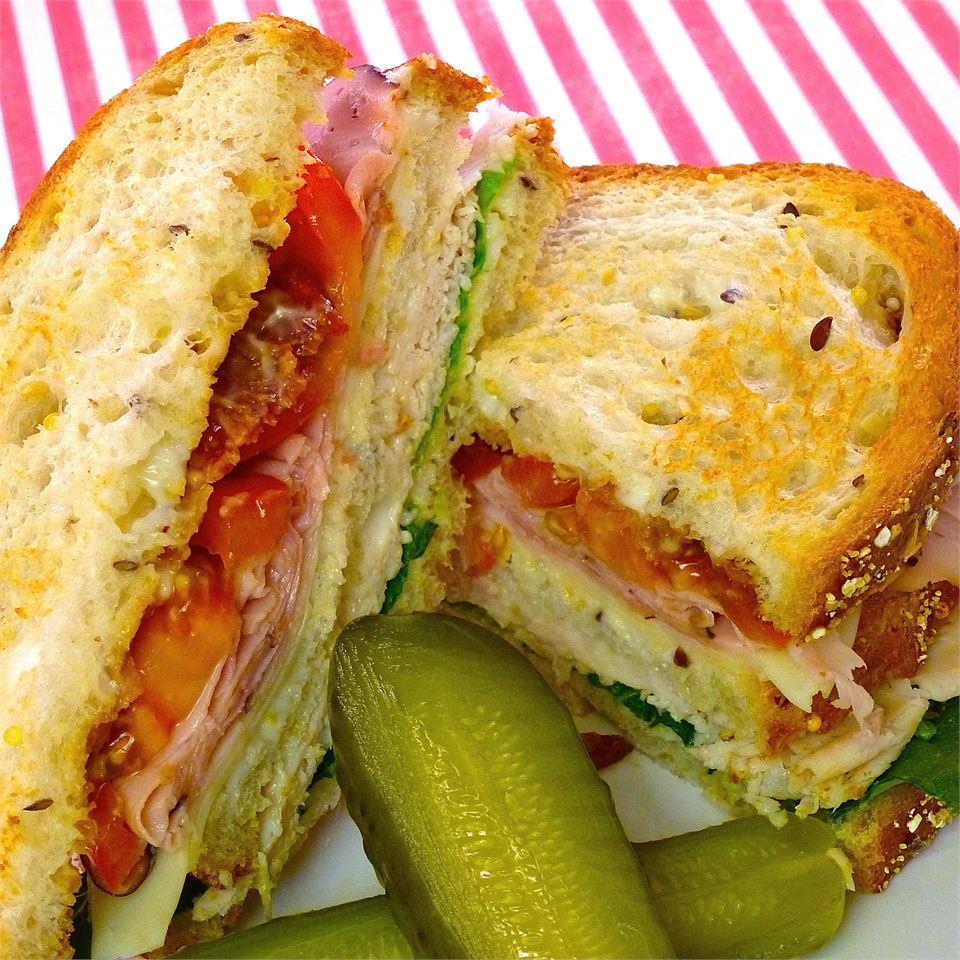 Lorraine's Club Sandwich lutzflcat