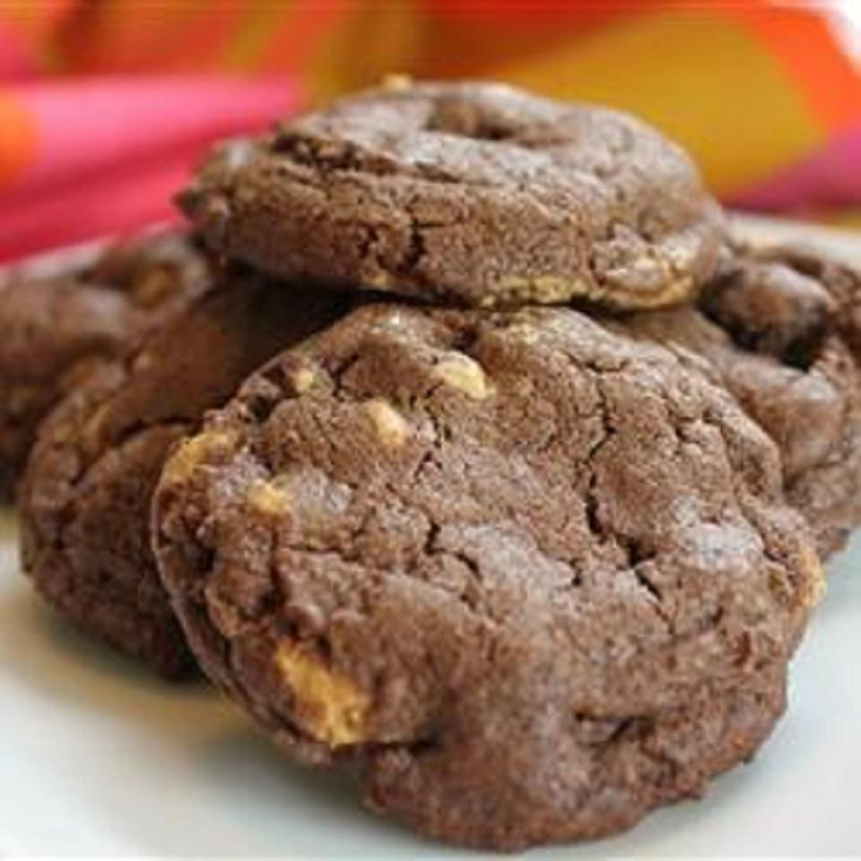 Peanut Butter Chip Chocolate Cookies naples34102