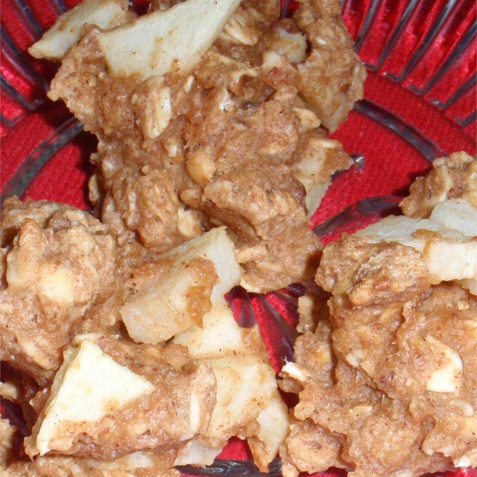 Apple Peanut Butter Oatmeal Cookies sueb