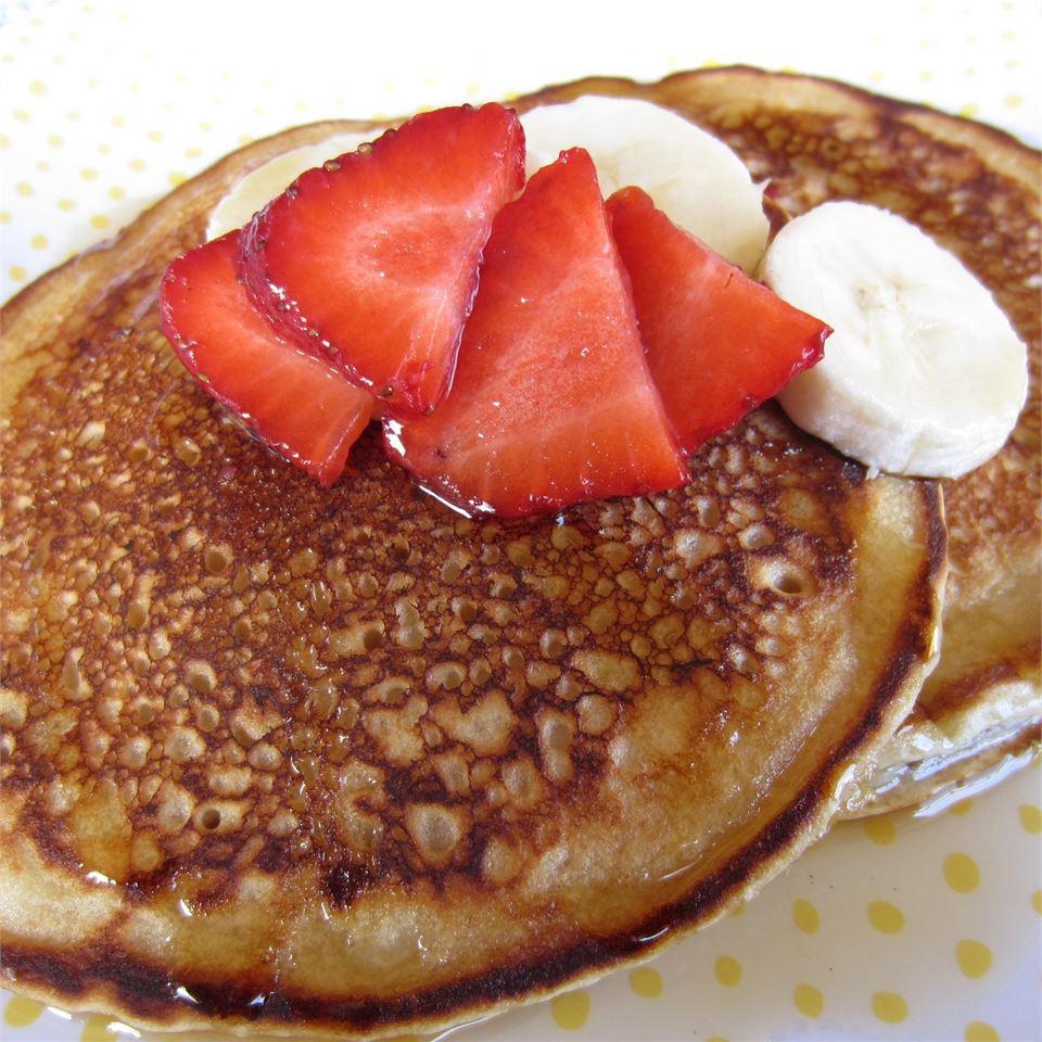 Buttermilk Banana Pancakes ReneePaj