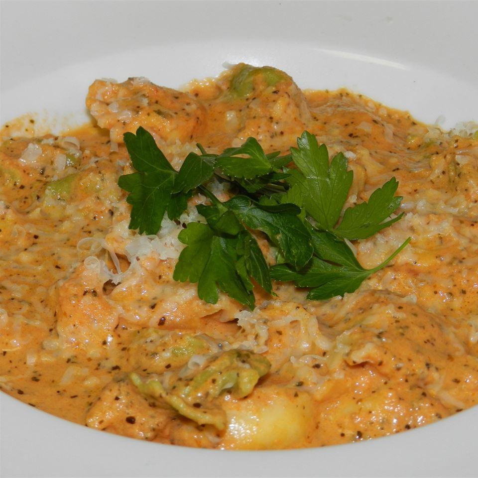 Tortellini with Basil-Cream Sauce GhostEXE
