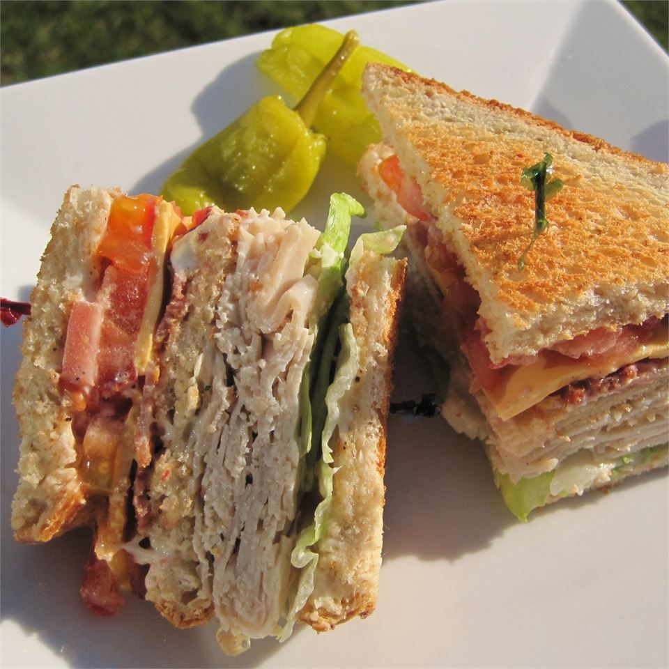 Lorraine's Club Sandwich LORRAINEWINKEL