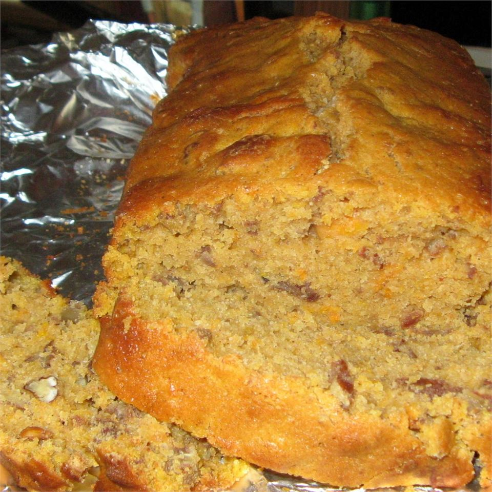Southern Sweet Potato Bread with Pecans deafsetter