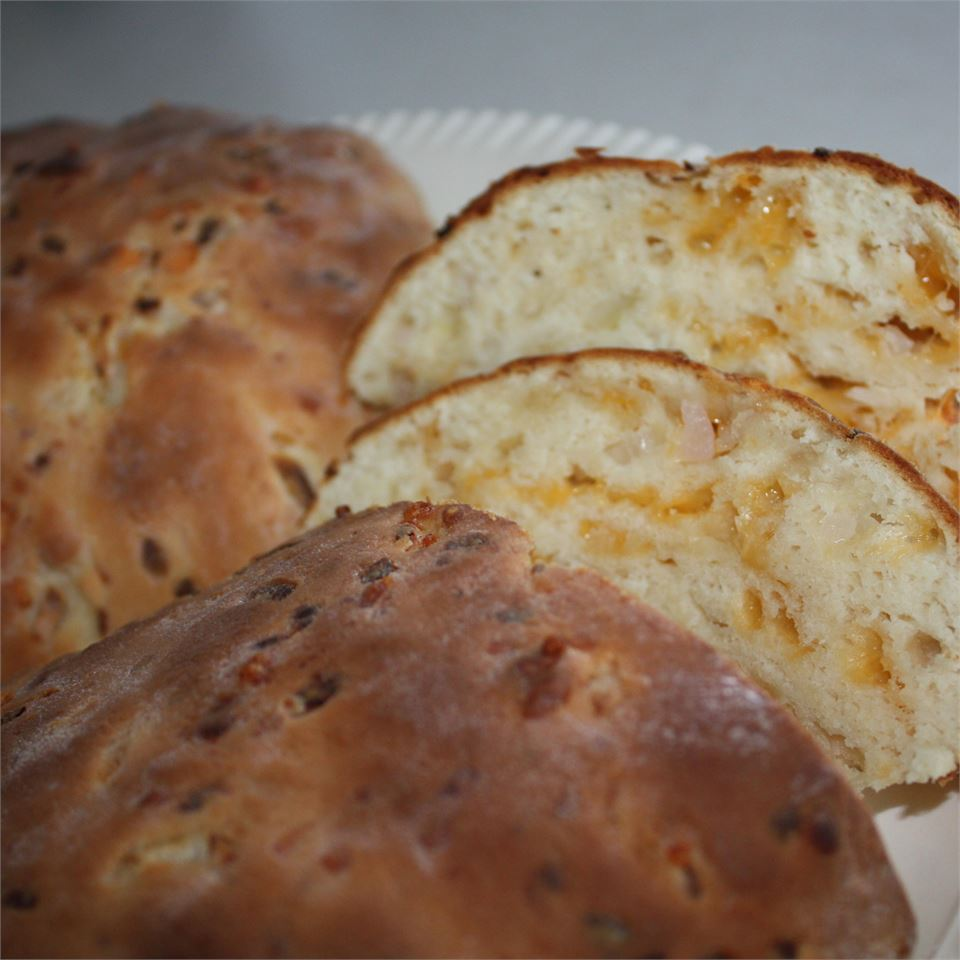 Jim's Cheddar Onion Soda Bread Robin