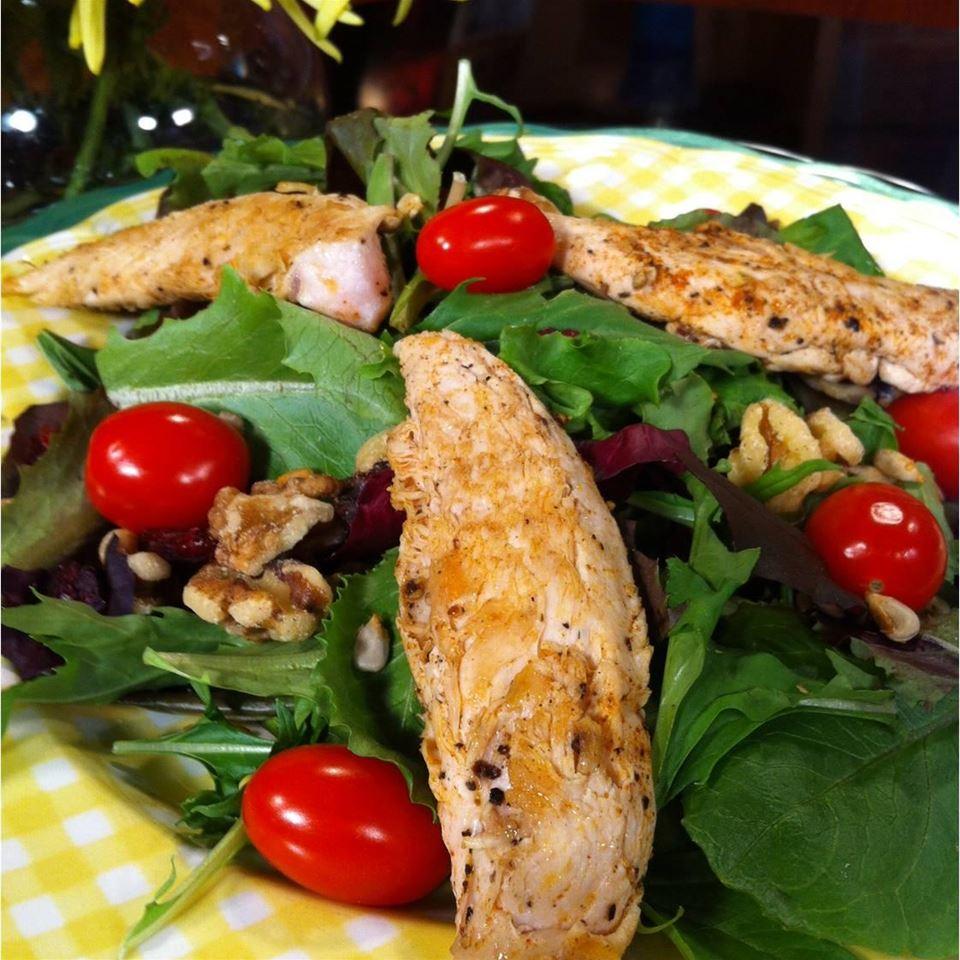 Wonderful Raspberry Walnut Dinner Salad