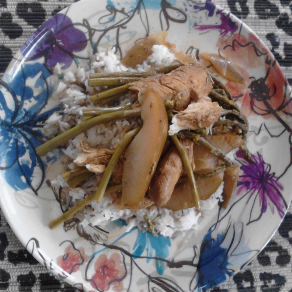 Balsamic Pear, Chicken, and Asparagus Nicole Friedlein