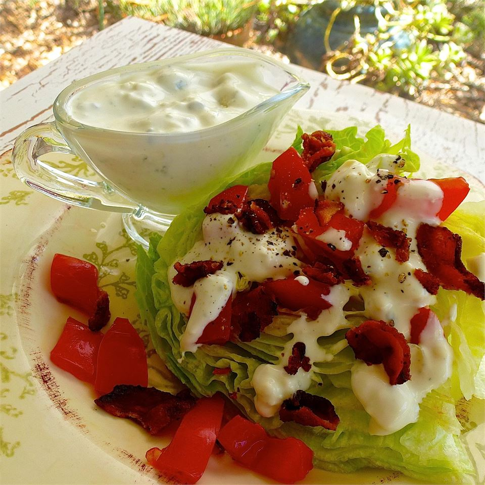 Tasty Blue Cheese Salad Dressing
