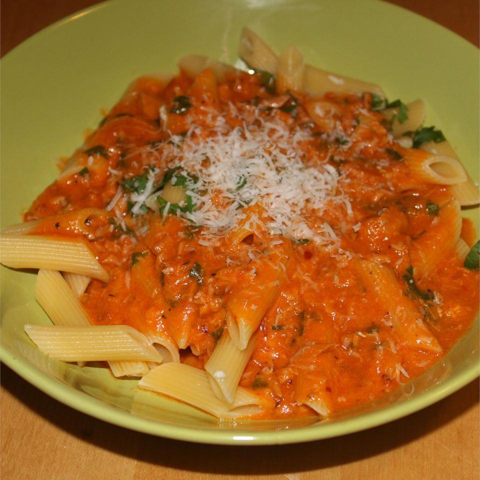 Creamy Tomato Tuna Penne Pasta Radhika