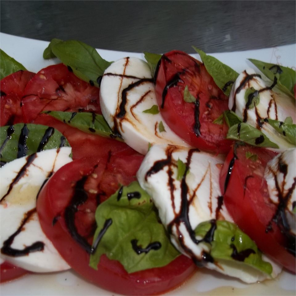 Caprese Salad with Balsamic Reduction CooperCook