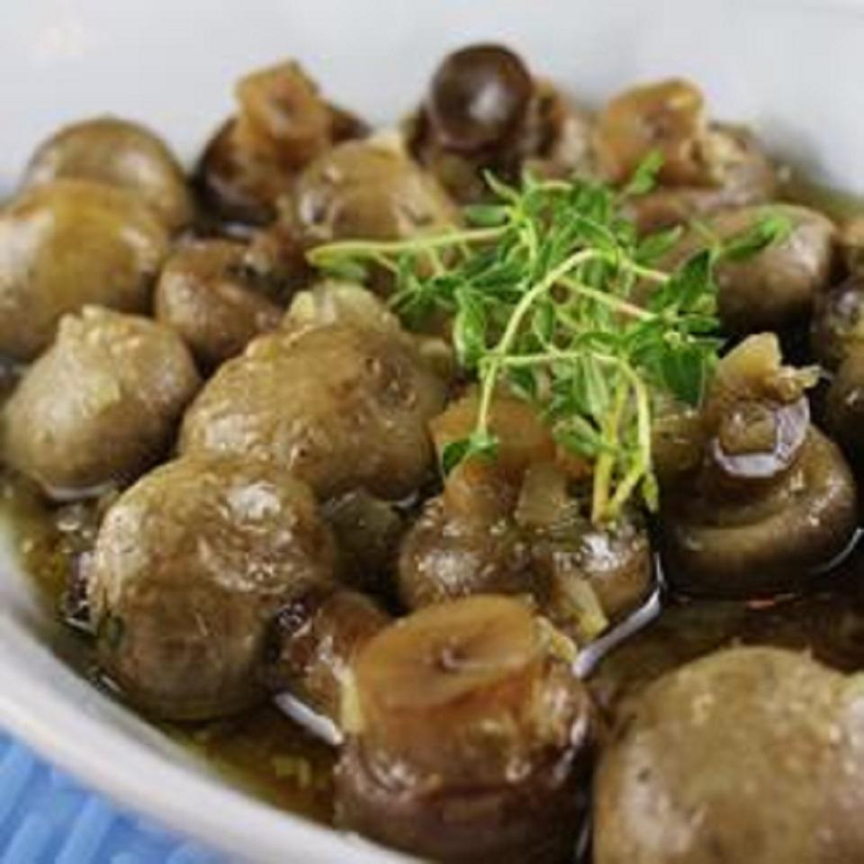 Baked Mushrooms with Thyme and White Wine Knightcraft