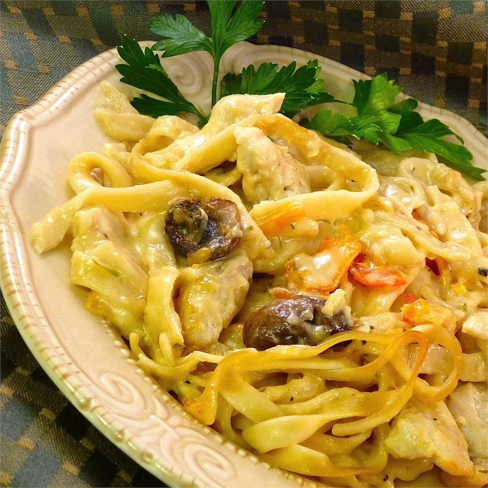 Cheesy and Creamy Chicken Tetrazzini
