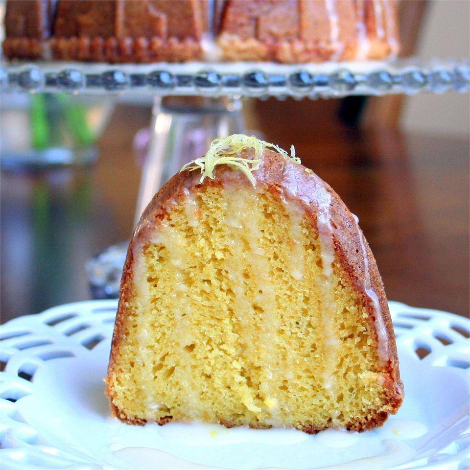 Memaw's Lemon Sunshine Cake
