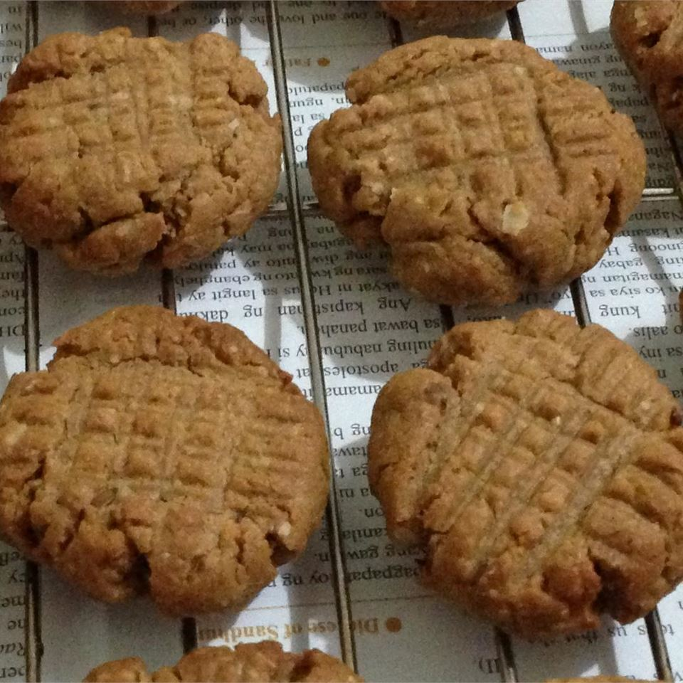 Easy Whole Wheat Peanut Butter Cookies Steph.Dennis
