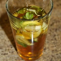 Rob and Becky's Pimm's™ Lemonade Diana Moutsopoulos