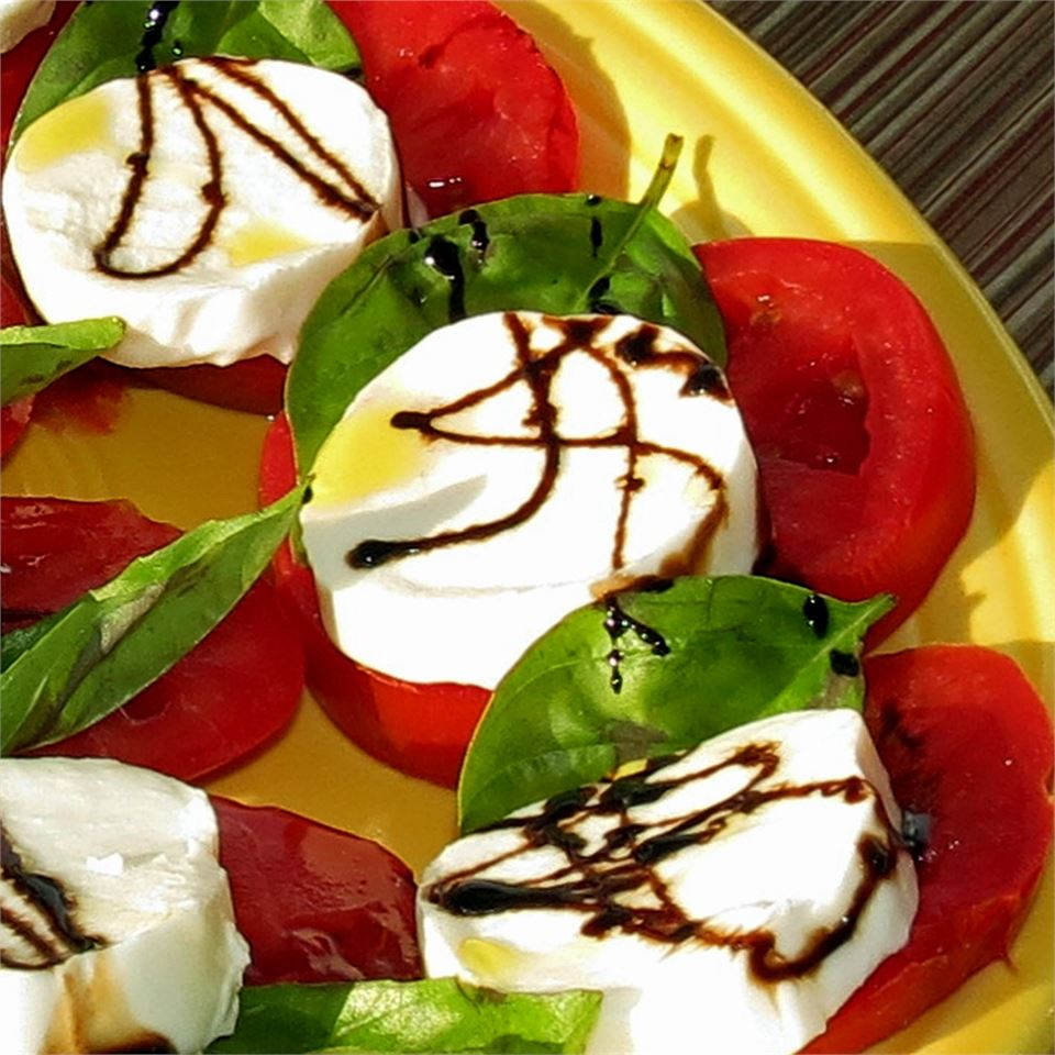 Caprese Salad with Balsamic Reduction stefychefy