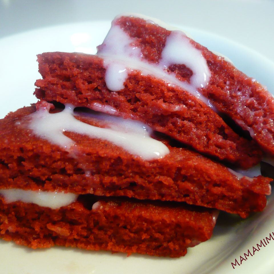Red Velvet Pancakes with Cream Cheese Glaze MAMAMIMI