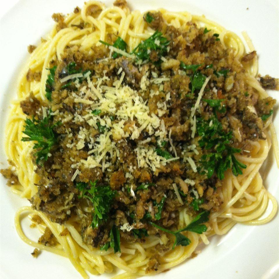 Pasta Con Sarde (Pasta with Sardines) Mama Adg