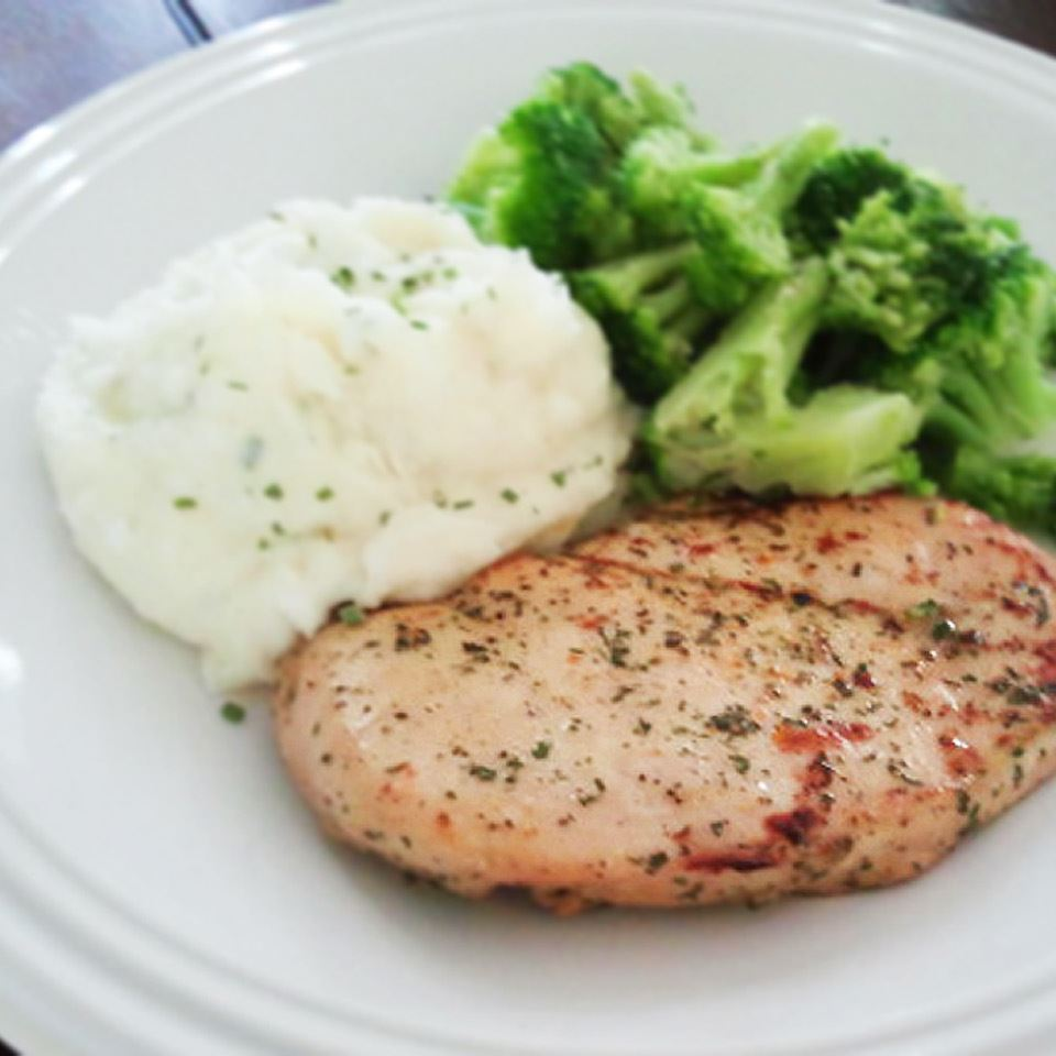 Marinated Ranch Broiled Chicken SUZYNAGY