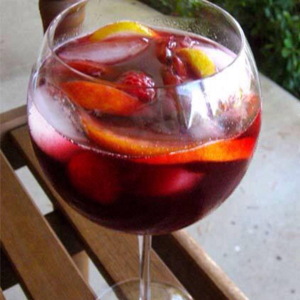 Indian Summer Raspberry Peach Sangria