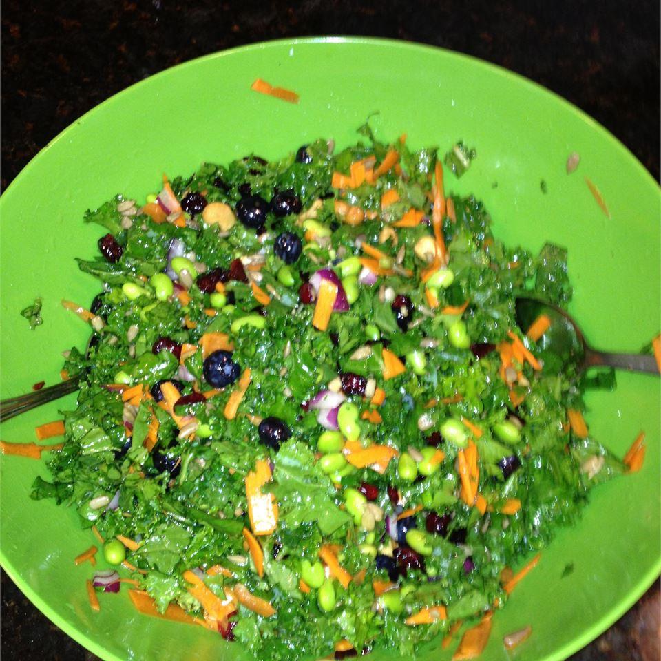 Super Summer Kale Salad larcy