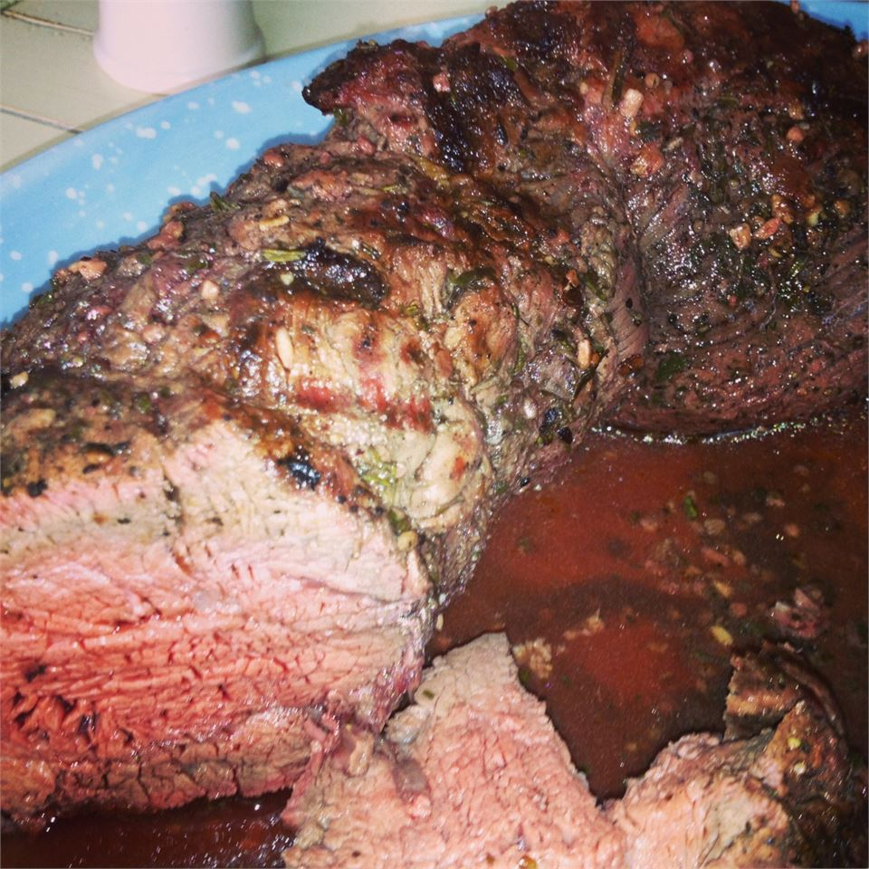 Grilled Beef Tenderloin with Herb-Garlic-Pepper Coating