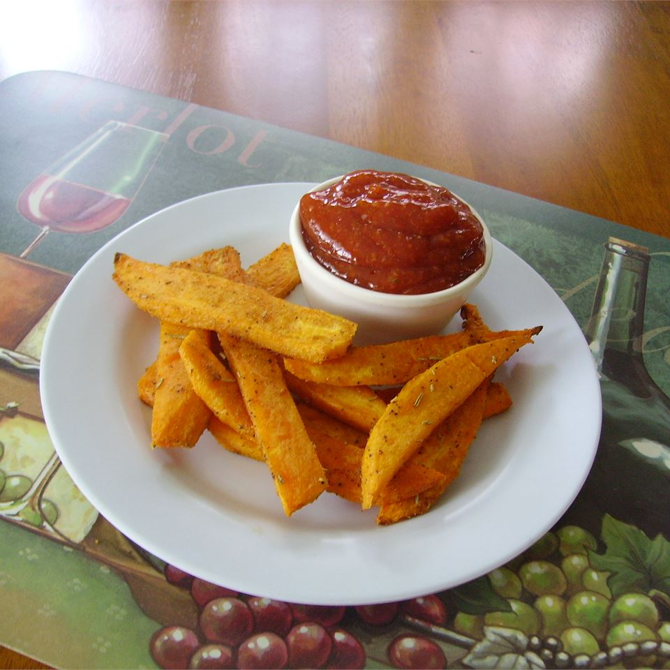 Easy Spicy Ketchup Dip for Sweet Potato Fries Christina