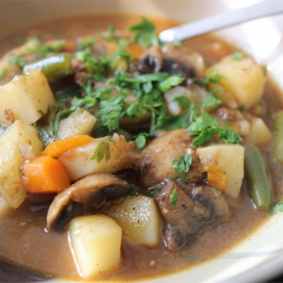 Old-Fashioned Beef Stew CORWYNN DARKHOLME