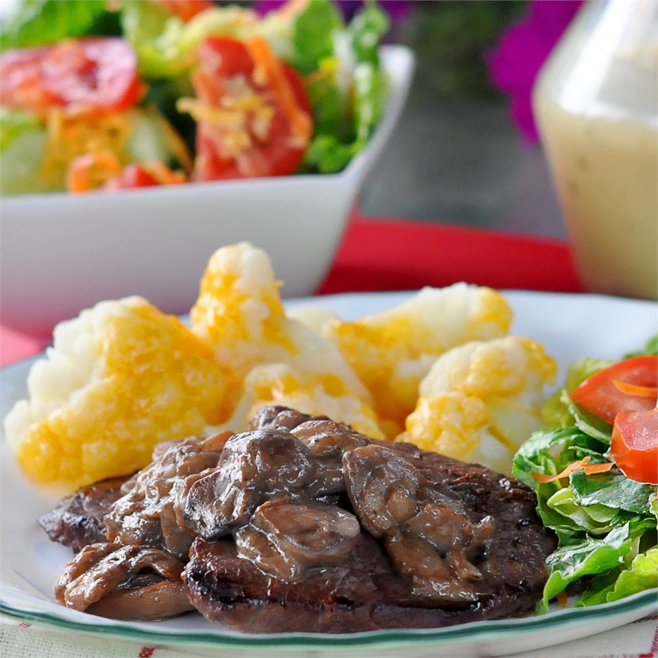 Mushroom Smothered Steak KGora