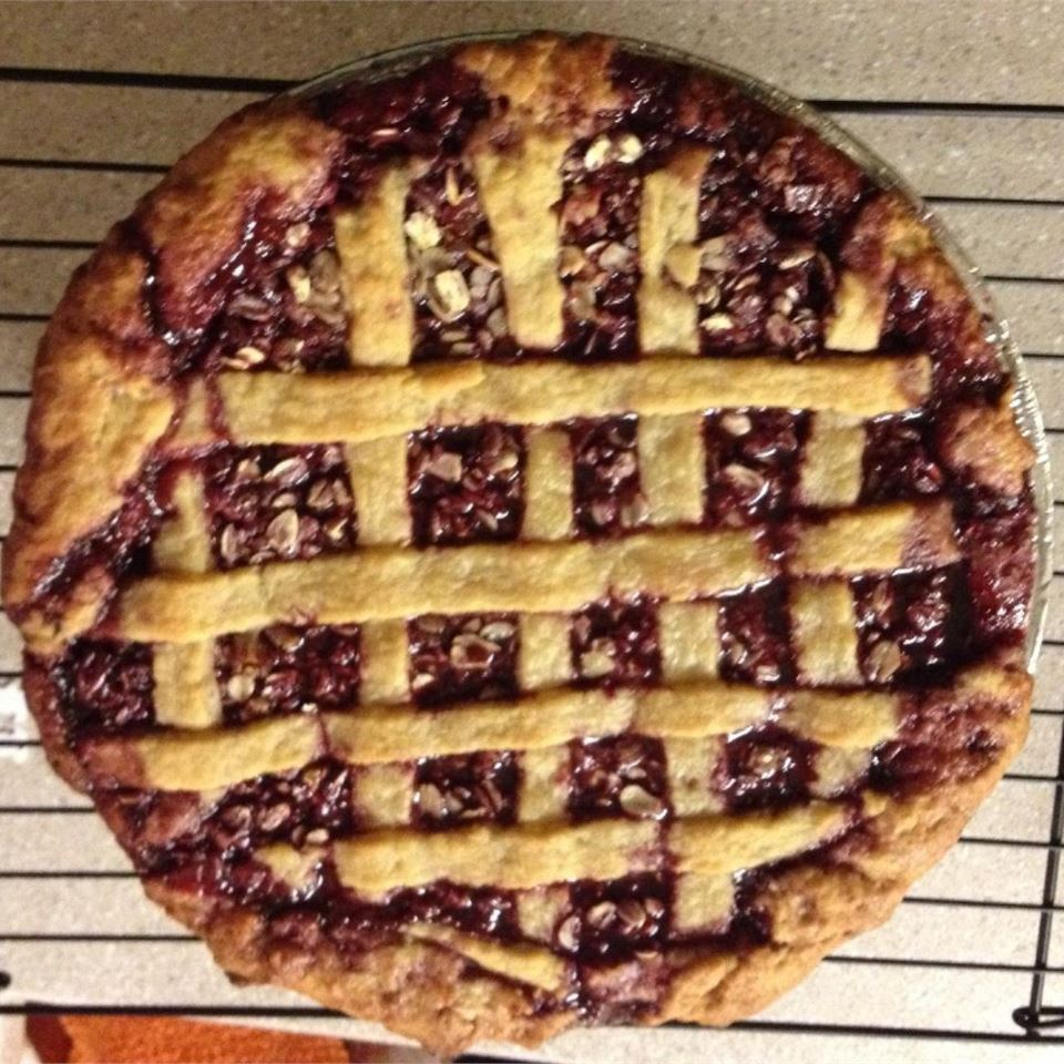 Poppin' Jalapeno Blackberry Pie joderita