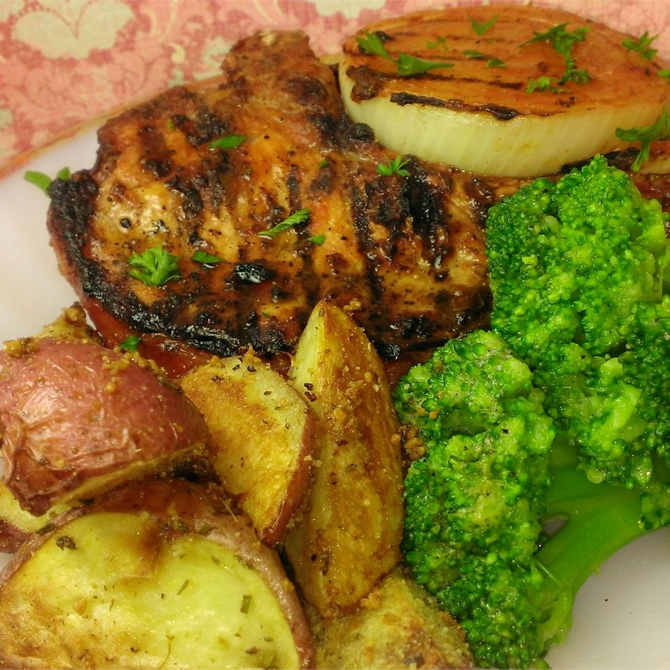 Grilled Pork Chops and Onions Terry E.