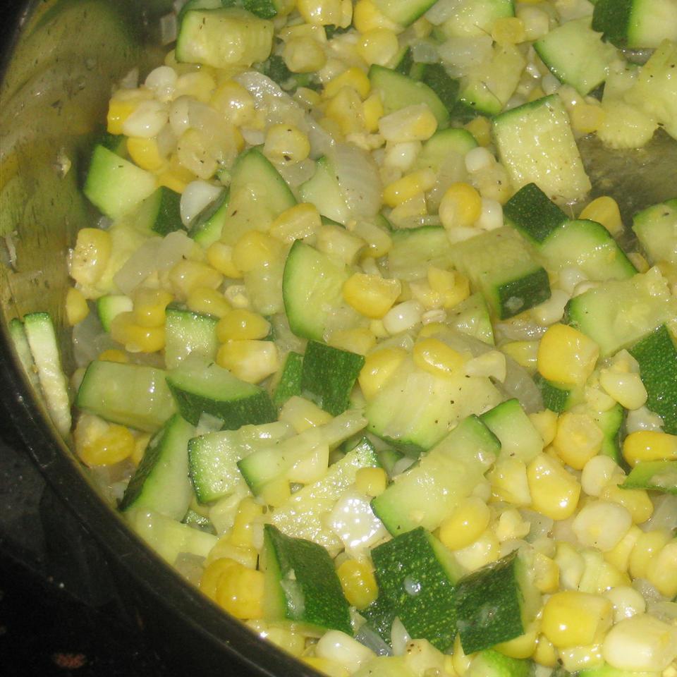 Fresh Corn and Zucchini Saute ROSIESTOES