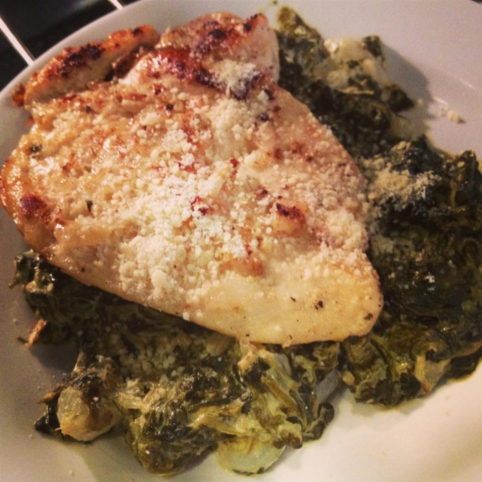 Baked Chicken Over Creamed Spinach