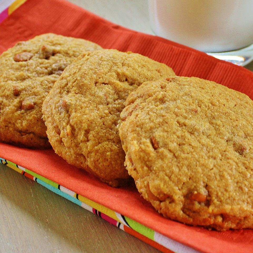 Chewy Cinnamon Cookies Connie