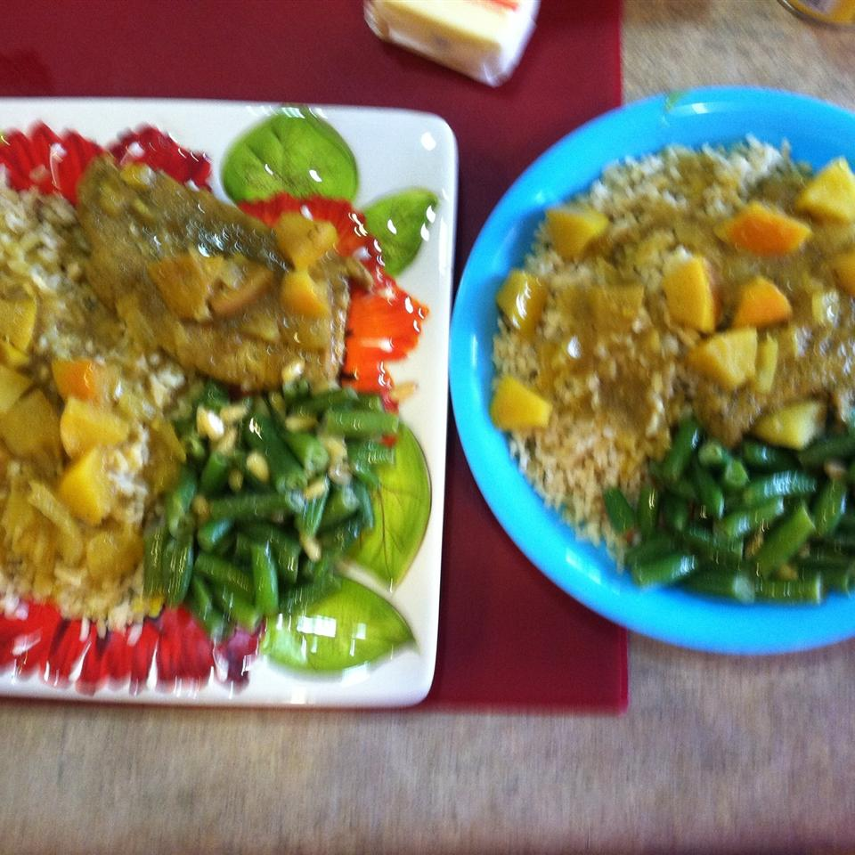 Pork Chops with Apple Curry Sauce