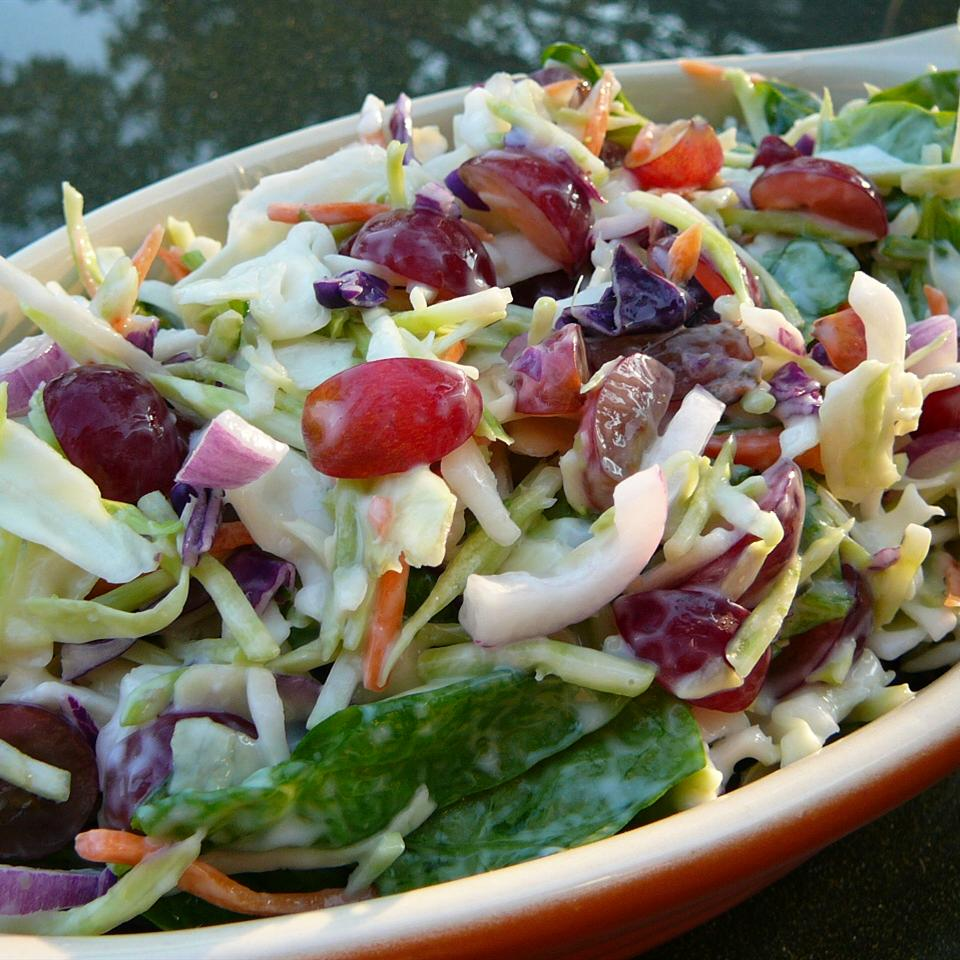 Coleslaw With Grapes and Spinach