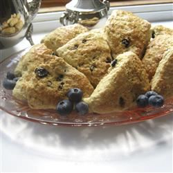 Restaurant-Quality Maple Oatmeal Scones ChristineM