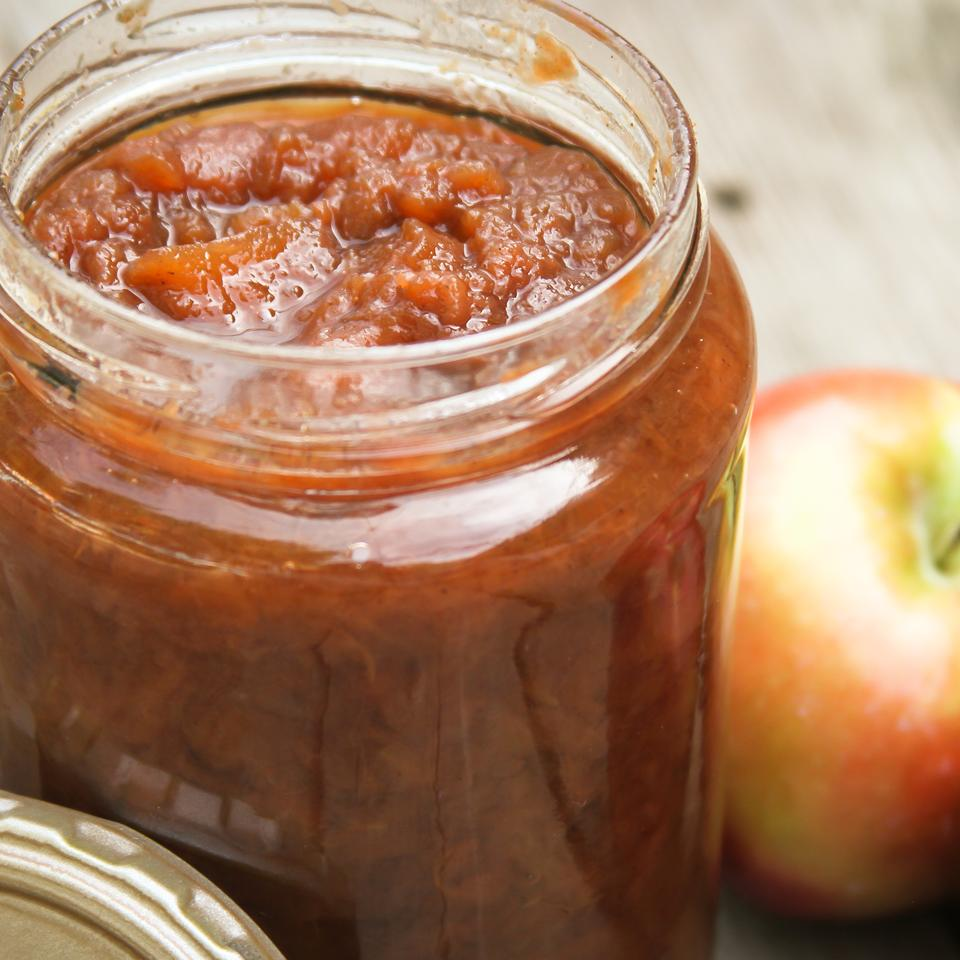 Spiced Slow Cooker Applesauce