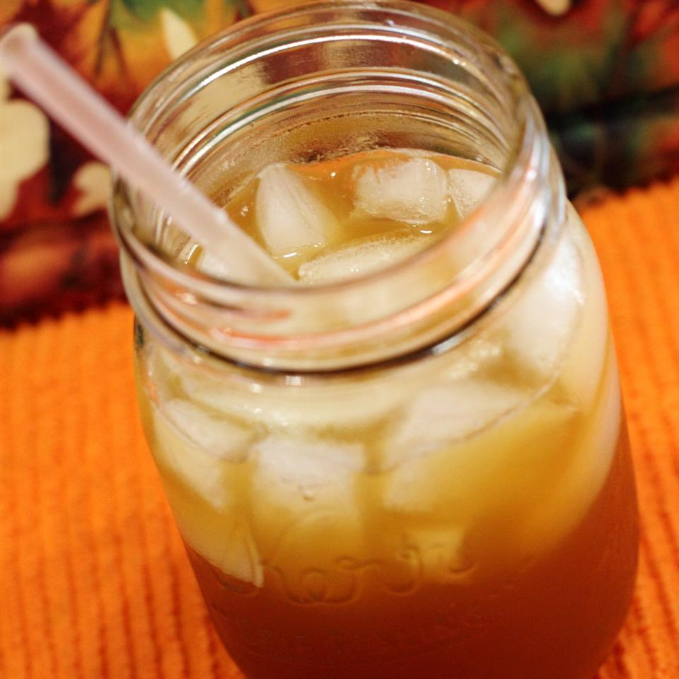 Hot Spiced Tea for the Holidays Erin