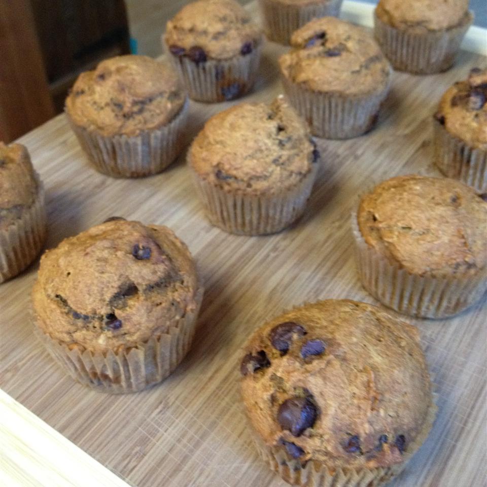 Low-Fat Vegan Pumpkin Chocolate Chip Muffins trishsmc