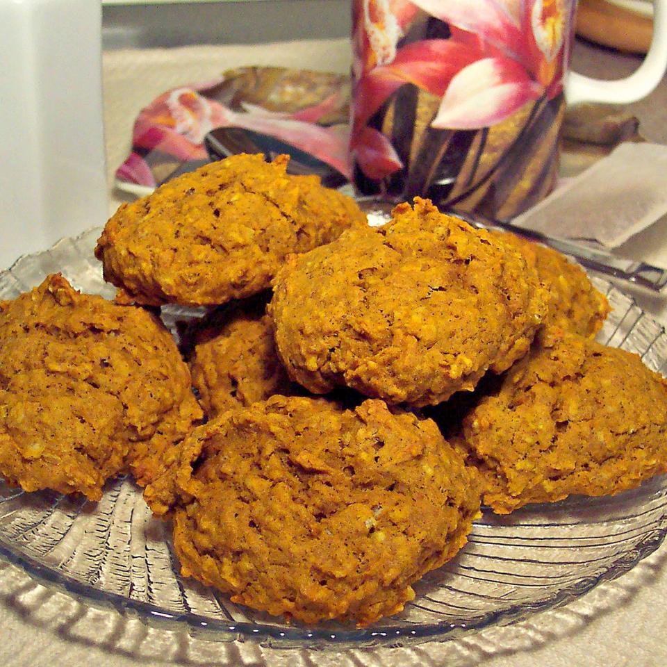 Harvest Pumpkin-Oatmeal Raisin Cookies Lillian