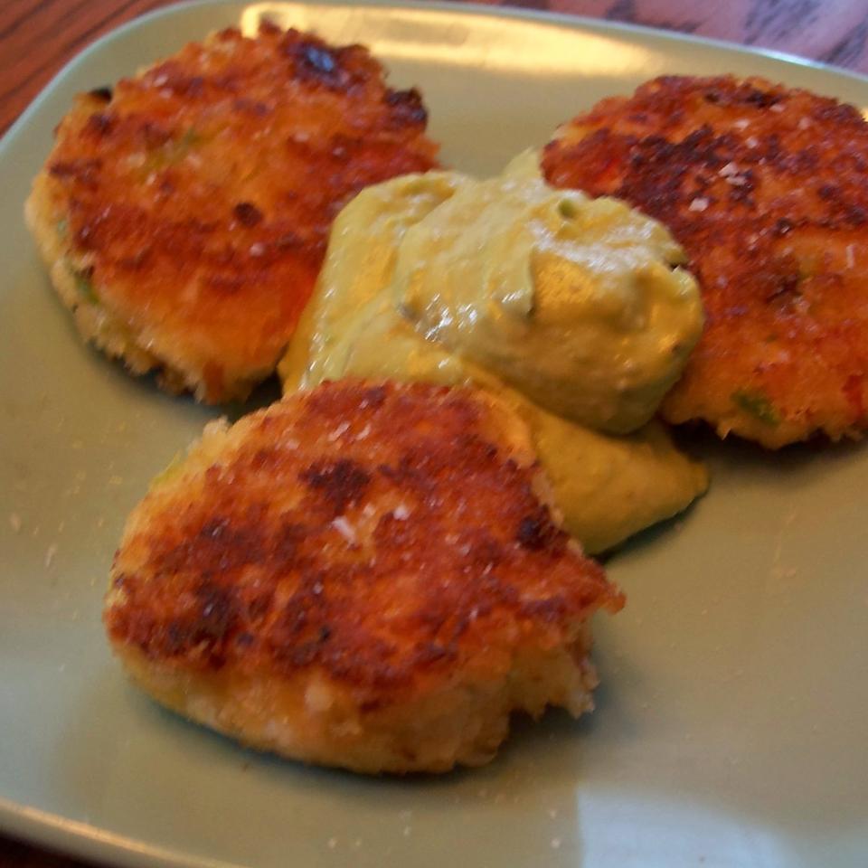 Mini Crab Cakes thanksi'lleatithere
