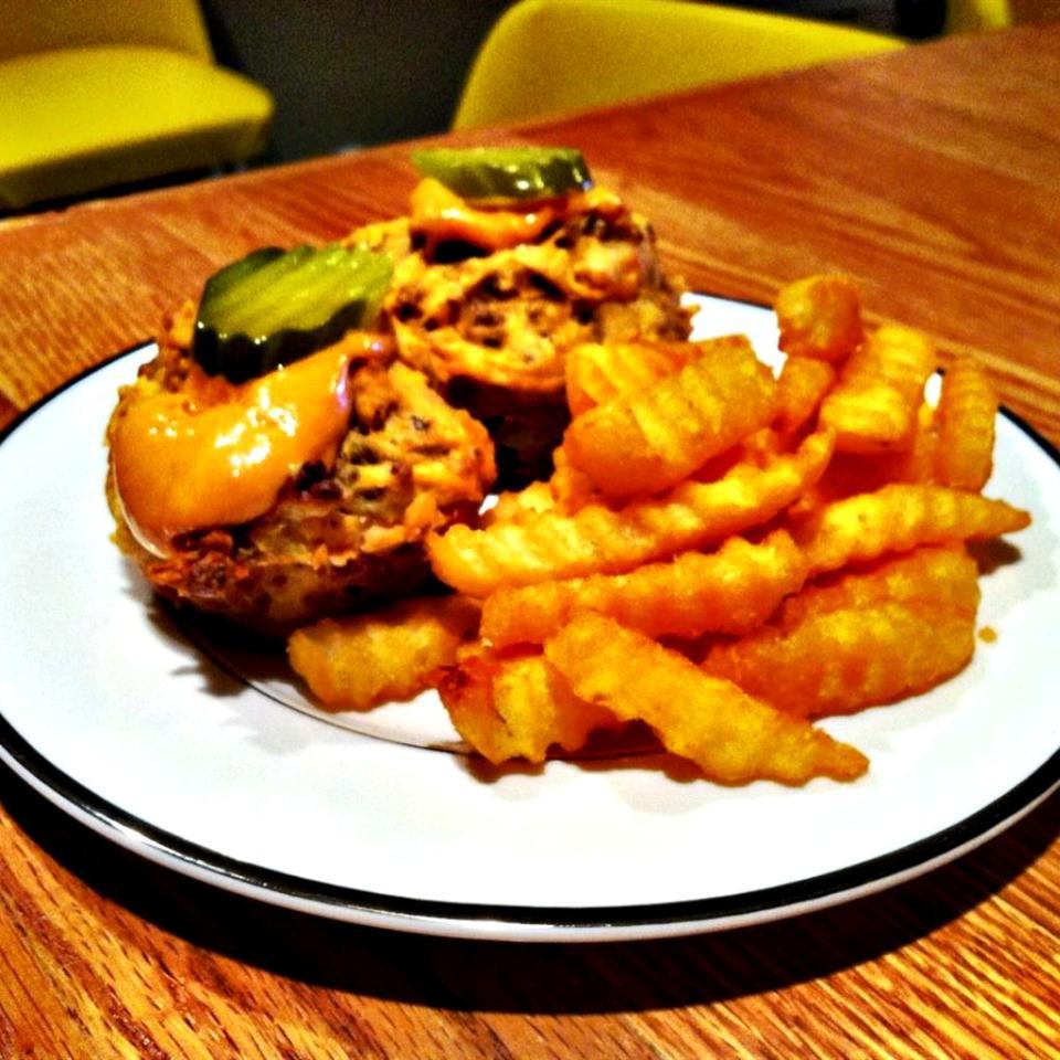 Cheeseburger Muffins lovestohost