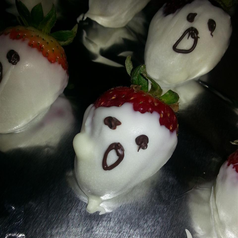 White Chocolate Strawberry Ghosts Elizabeth