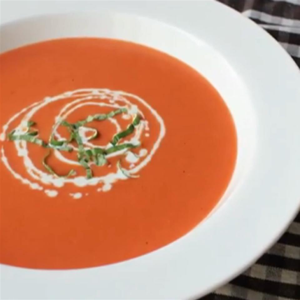 How to Make Tomato Bisque