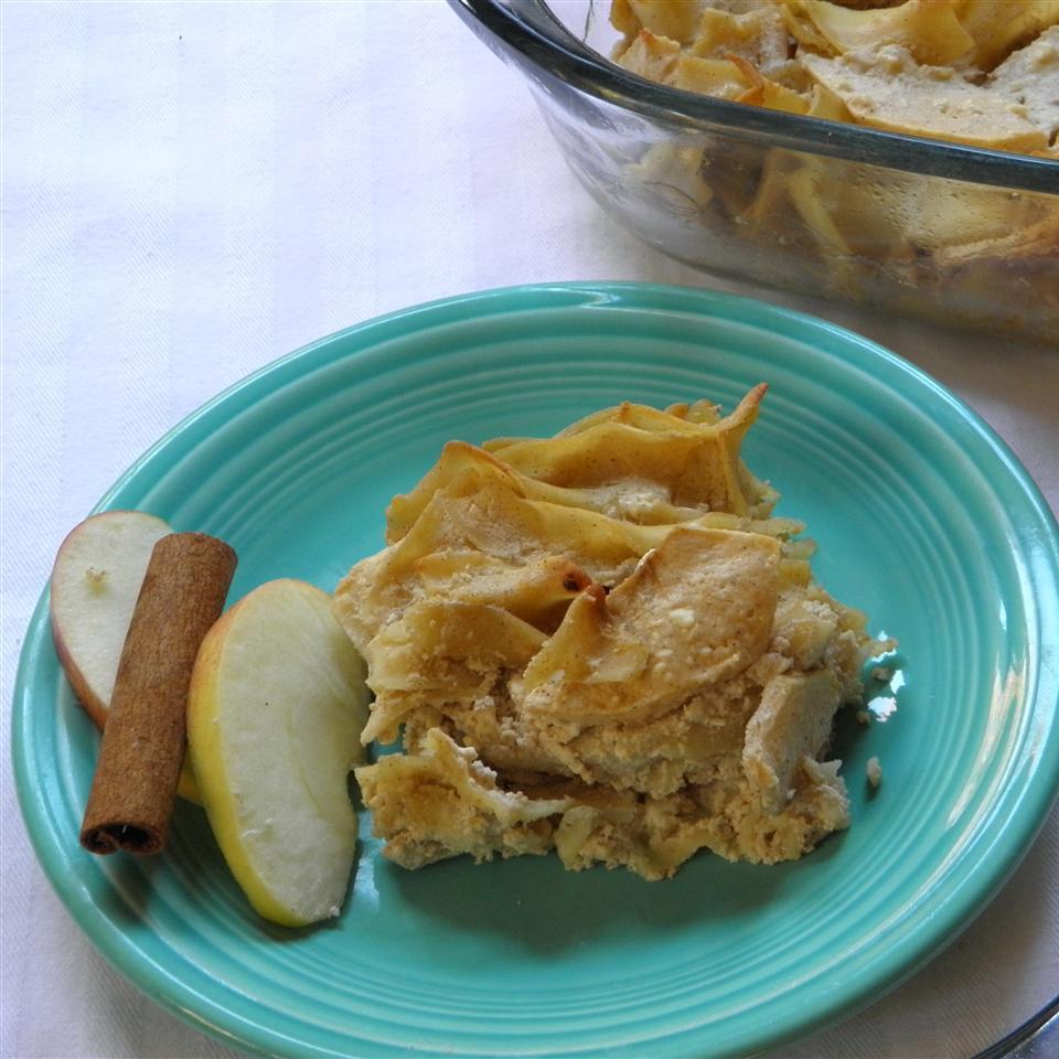 Traditional Apple Noodle Kugel